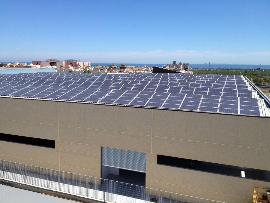 Capannone Puma Conserve | impianto fotovoltaico tetto a shed Molfetta BA Puglia
