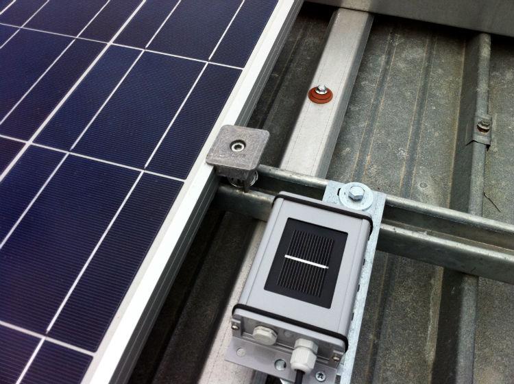 Copertura capannoni   Molfetta profilo a omega acciaio zincato a caldo ancorata a struttura sottostante