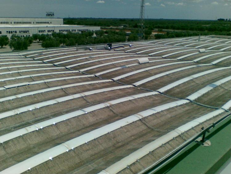 Costruzioni industriali | il tetto prima dell'installazione dei pannelli fotovoltaici