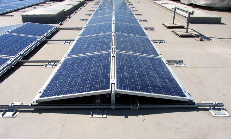 Leroy Merlin Mesagne | Struttura tetto piano fotovoltaico est-ovest Lecce, Puglia
