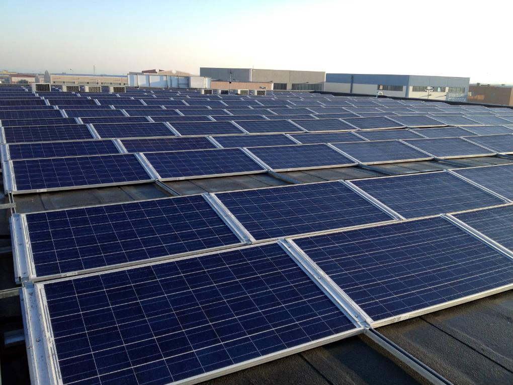 Prezzi incentivi e novit fotovoltaico 2018 evonat for Quanto costa mantenere un cavallo